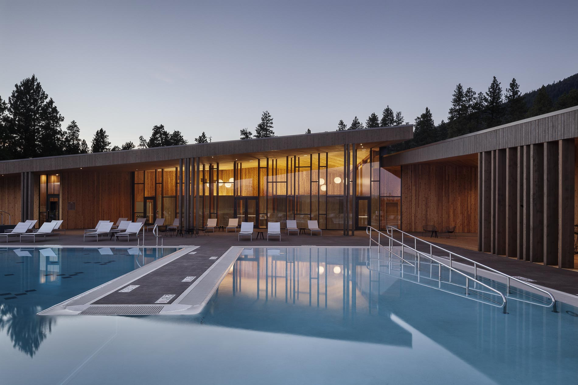Black Butte Ranch Pool House / 1